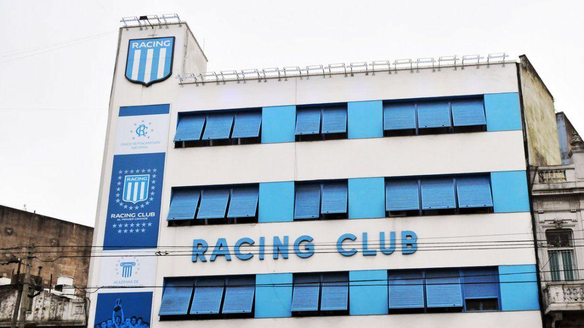 Allanaron la sede de Racing en Avellaneda por supuesto uso de facturas truchas