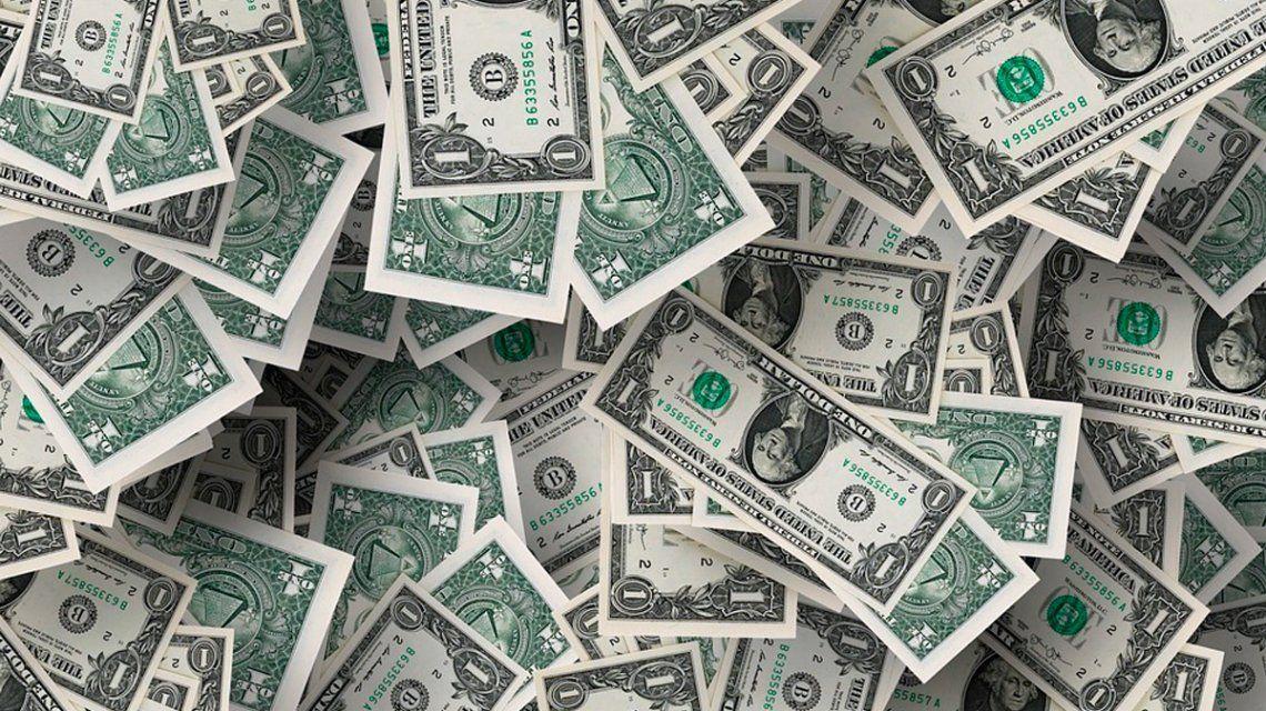 La desconfianza en la economía argentina se profundiza: el dólar se disparó y cerró a $29,66