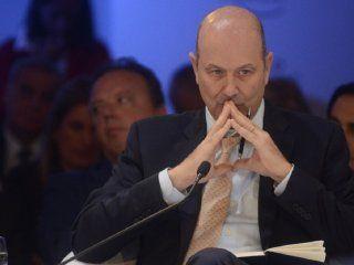 la agencia bloomberg se rie de sturzenegger que sigue haciendo pronosticos de inflacion