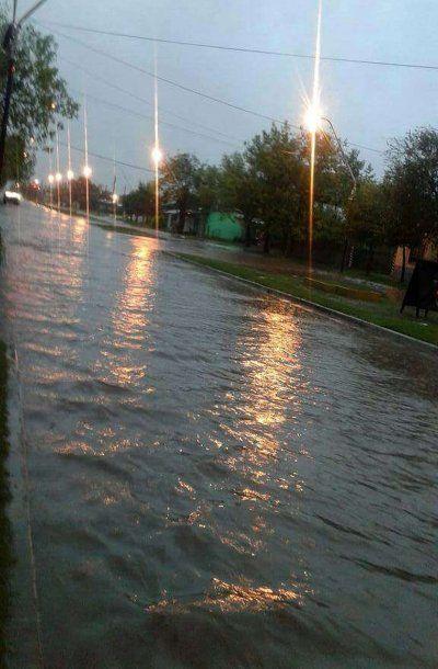 Hasta importantes avenidas quedaron bajo el agua<br>