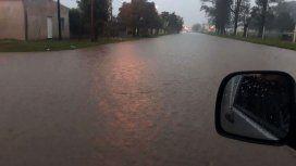 Varias calles se inundaron por las incesantes lluvias