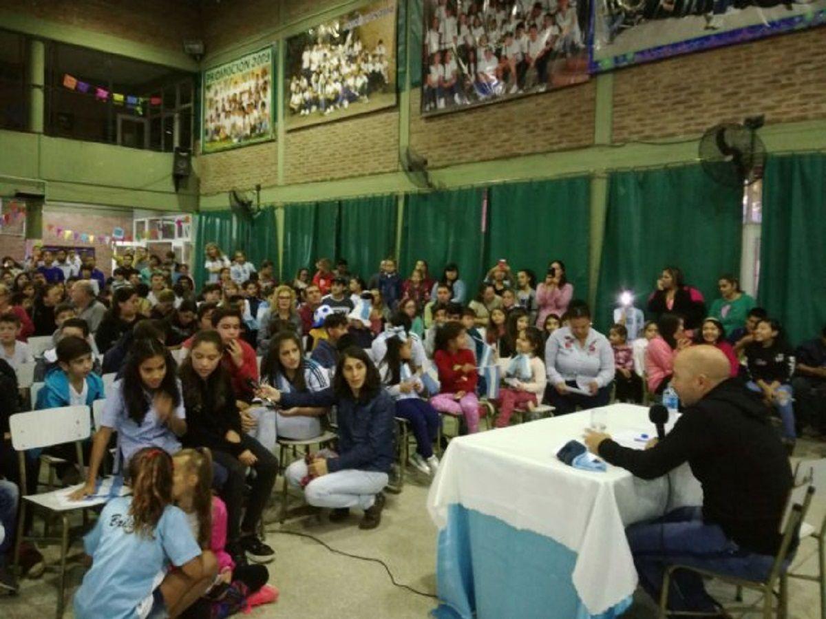La incómoda pregunta de una nena a Sampaoli: ¿Te hace caso Messi?