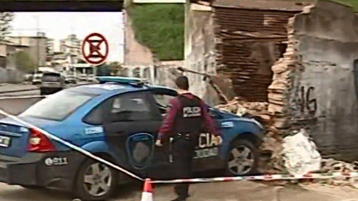 Un patrullero se incrustó en una casa