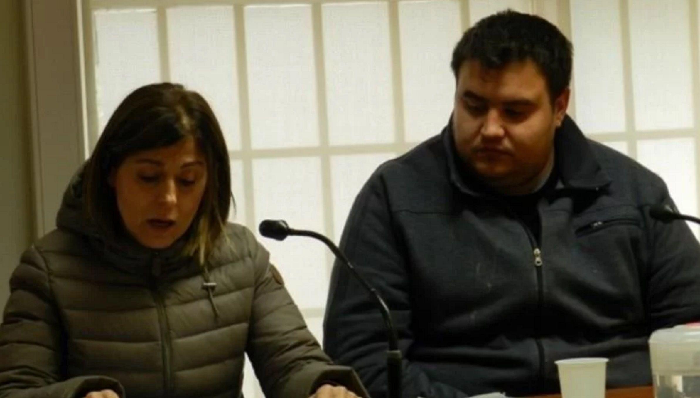 El detenido Diego Arévalo y su defensora Gladys del Balzo en la audiencia donde se pidió la salida semanal.