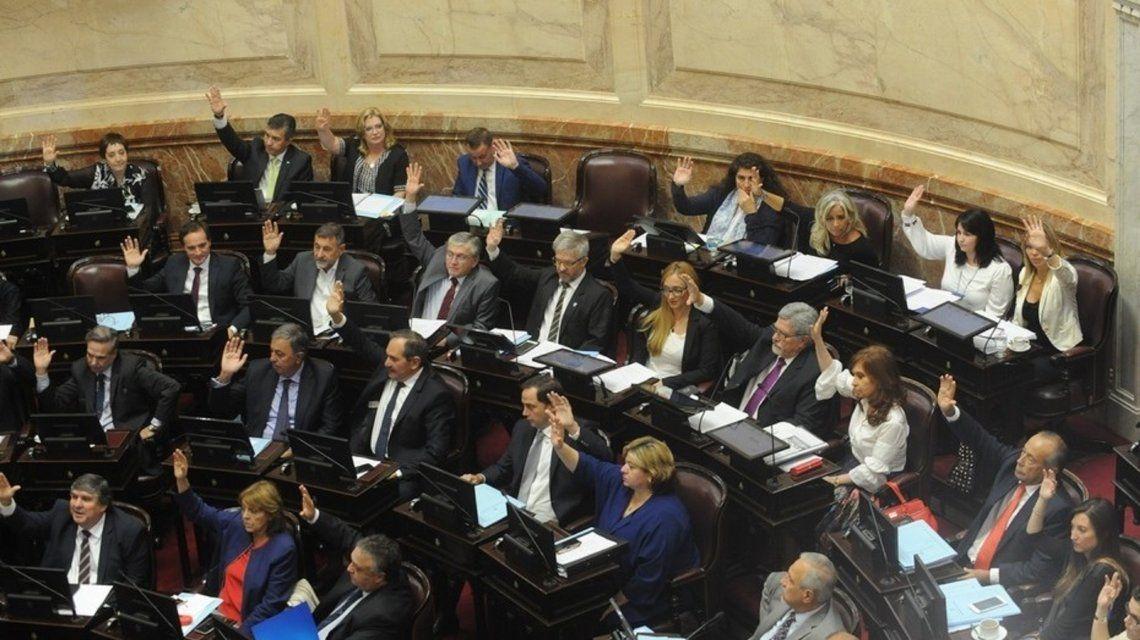 Se retrasa la discusión en el Senado para congelar el tarifazo