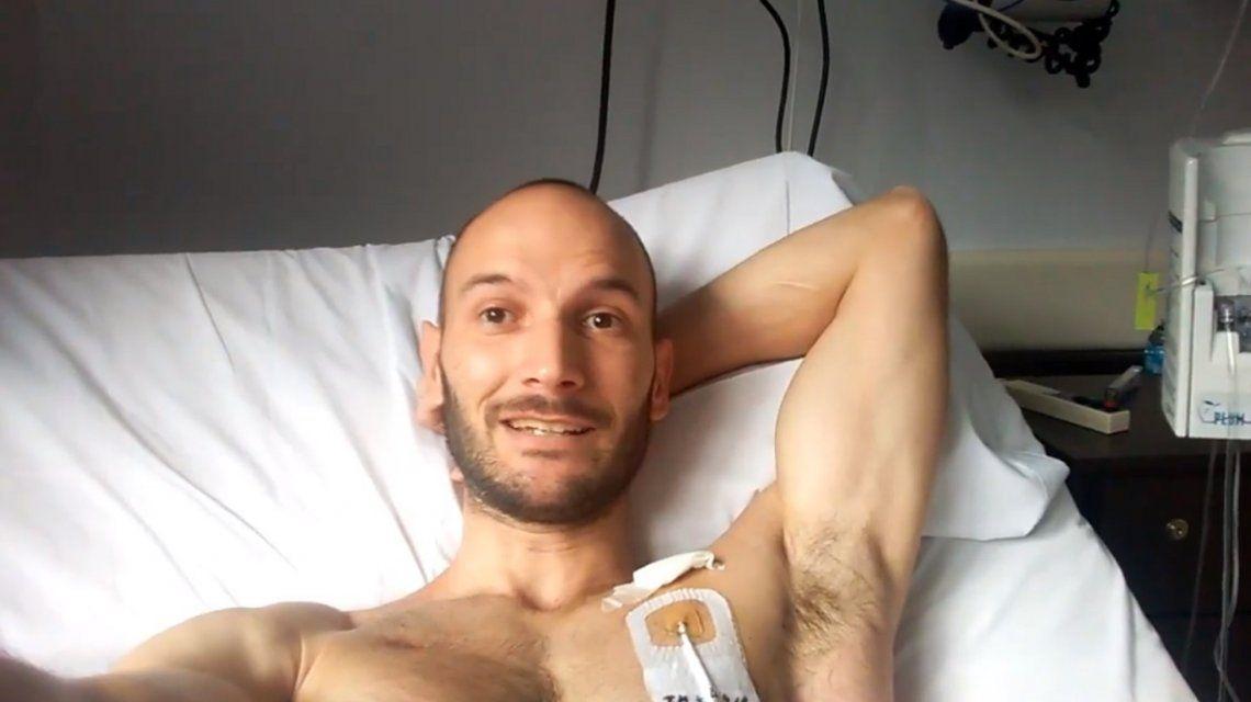 Le hicieron un trasplante de médula y filmó el proceso para derribar mitos