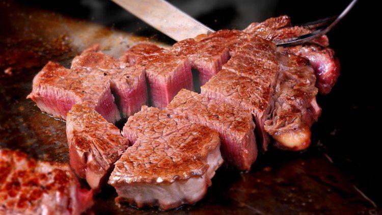 La carne de la raza bovina Wagyu es ideal para el bife Kobe