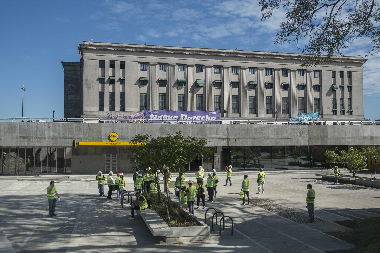 Estación Julieta Lanteri en la Facultad de Derecho
