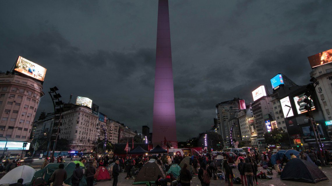 Se levantó el acampe de organizaciones sociales en el Obelisco