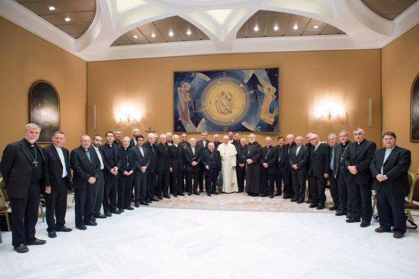 El papa Francisco con obispos por los abusos en Chile - Crédito: @vaticannews_es