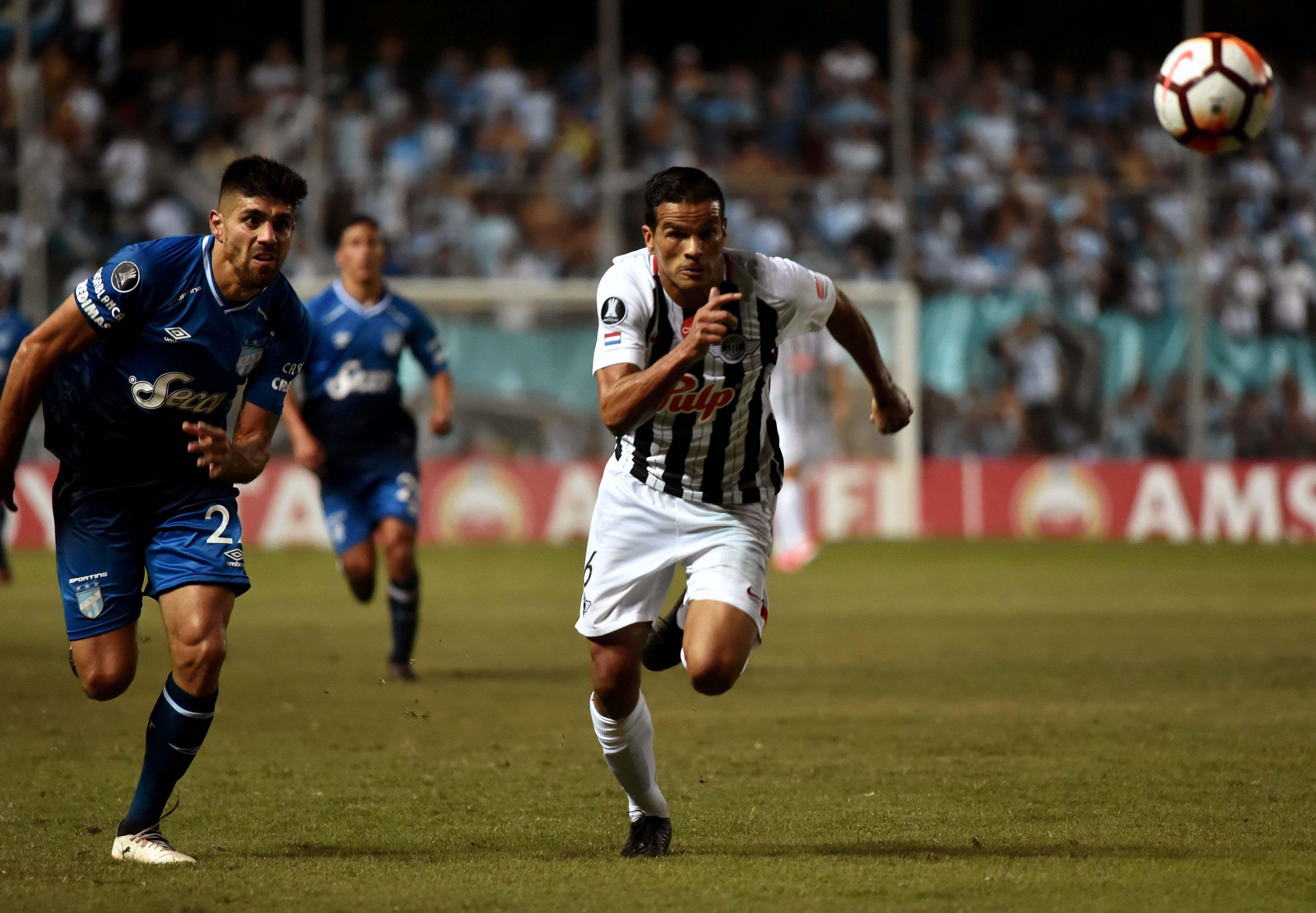 Libertad y Atlético Tucumán empataron y clasificaron