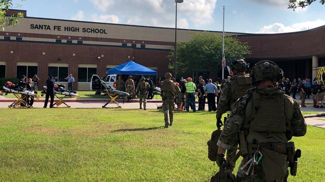 Tiroteo en una escuela de Texas: hay al menos 10 muertos