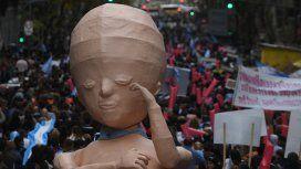 La agrupación Marcha por la Vida protestó desde Plaza de Mayo hasta el Congreso de la Nación.