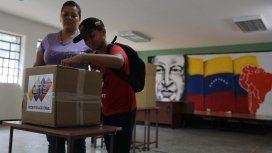 Entre la falta de confianza y denuncias de fraude, votaron los venezolanos