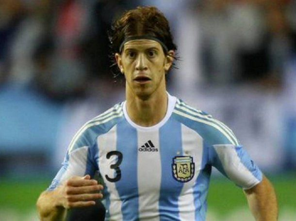 Debutó en la Selección en 2009 frente a España.<br>