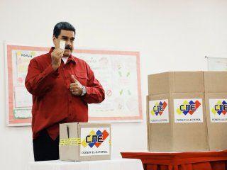 tras las polemicas elecciones, proclamaron a maduro como presidente hasta 2025