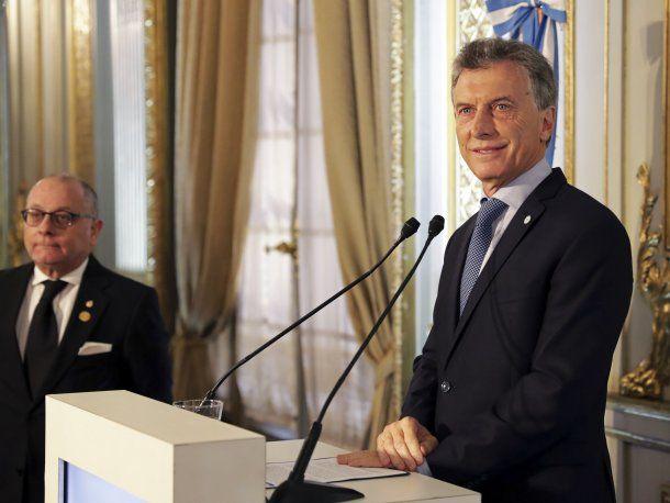 Mauricio Macri junto al canciller Jorge Faurie<br>