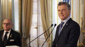 Mauricio Macri junto al canciller Jorge Faurie