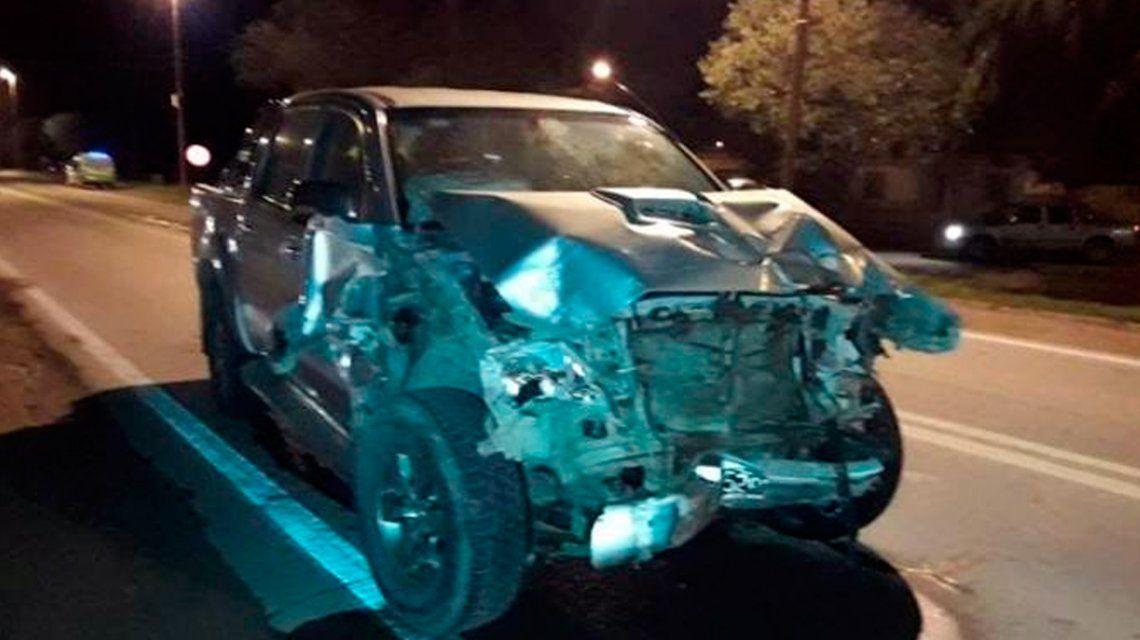 Un auto giró en U en la ruta y fue embestido de frente: hay un joven en grave estado