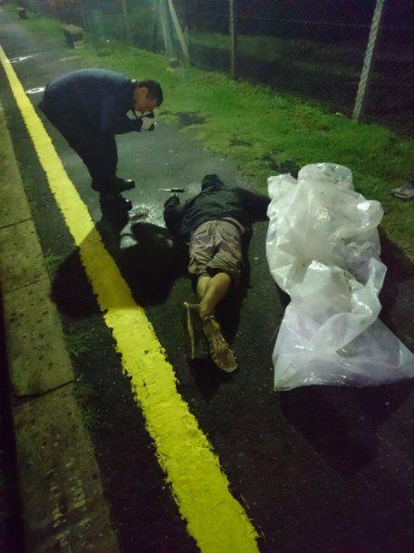 Viveros recibió un disparo en la nuuca y quedó tendido sin vida en el andén<br>