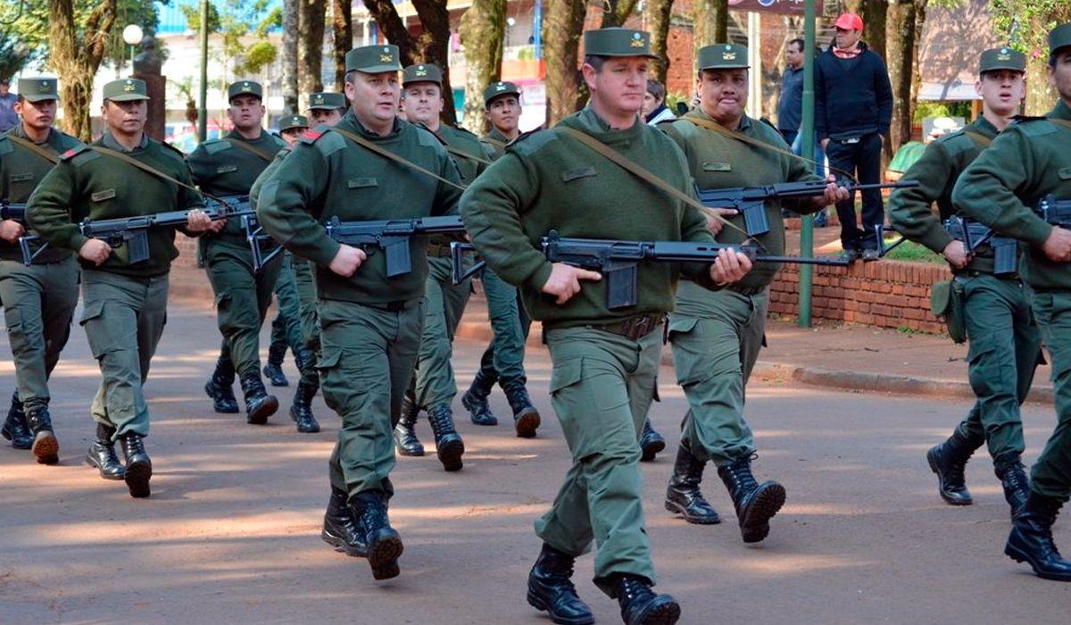 Los gendarmes podrán usar armas de fuego personales en servicio