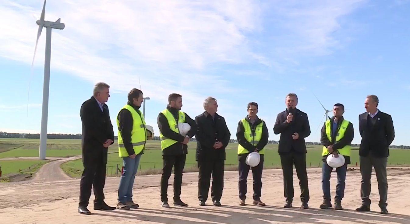 El presidente Macri inauguró un parque eólico en Bahía Blanca