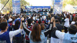 Masiva marcha de los docentes en Plaza de Mayo contra el FMI y en reclamo de un paro general