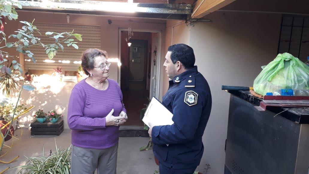 El timbreo policial: los comisarios salen a recorrer los barrios