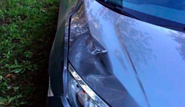<p>Así quedó el auto del conductor que atropelló y mató a un hombre en la Panamericana</p>