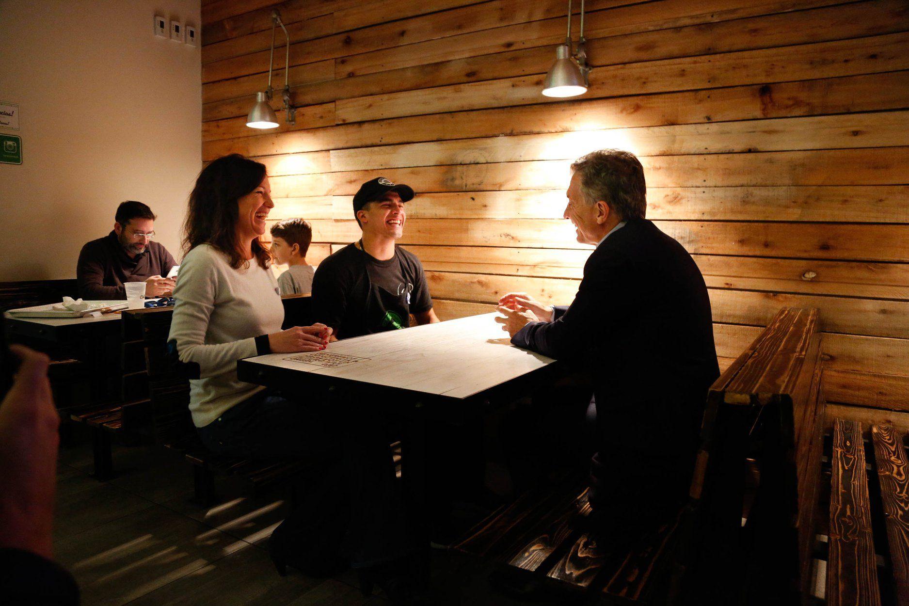 El Presidente charló con Brian con la ministra Carolina Stanley