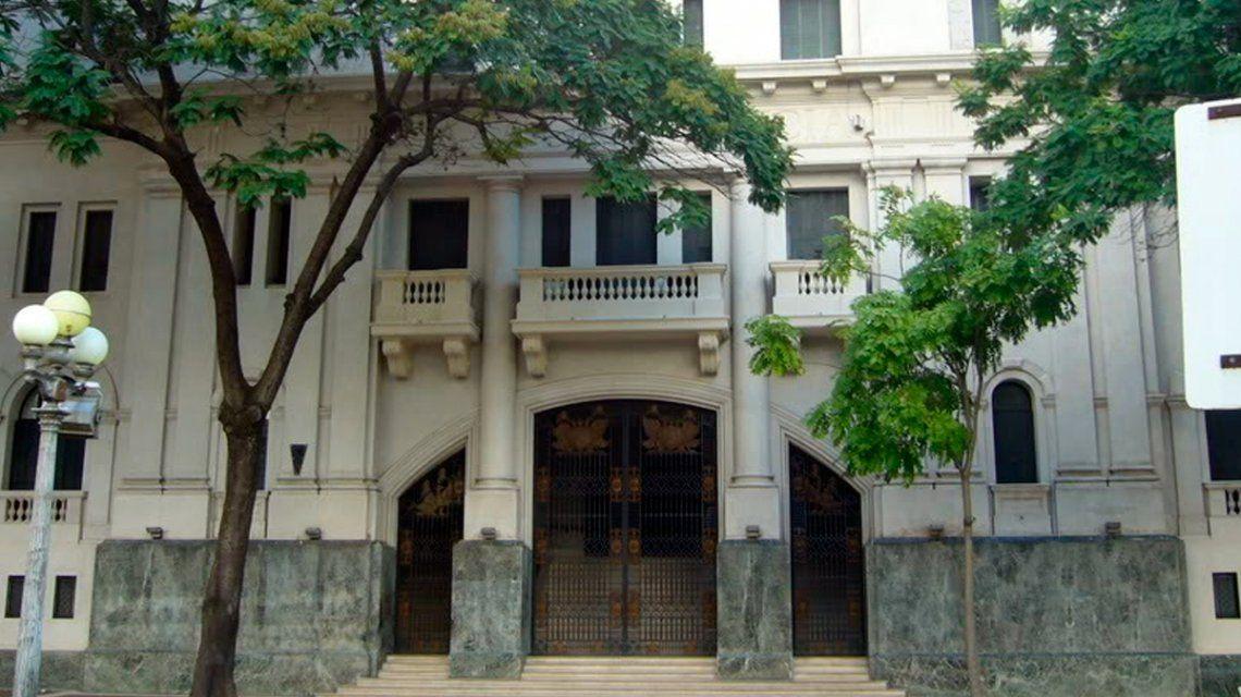 Santa Fe: un detenido por matar a su mujer se escapó de los Tribunales