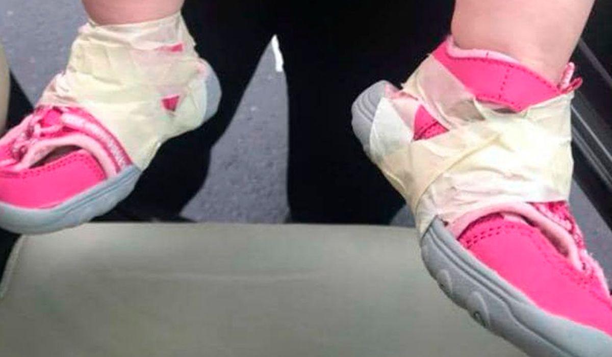 Estados Unidos: denuncian que en una guardería les pegan las zapatillas a los bebés con cinta