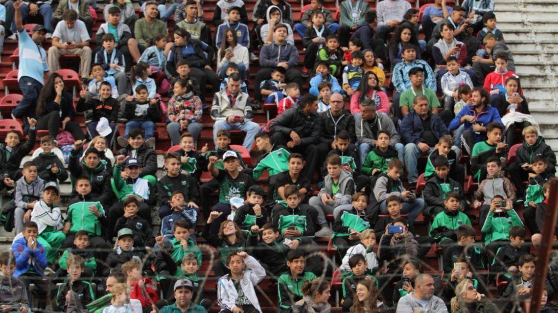 Más de 15 mil chicos entraron a Huracán para ver la práctica abierta de la Selección