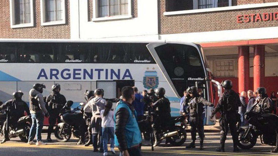 Así llegó la Selección a Huracán para la práctica a puertas abiertas