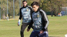 Selección: Acuña sintió una molestia y se fue al vestuario durante la práctica en Huracán