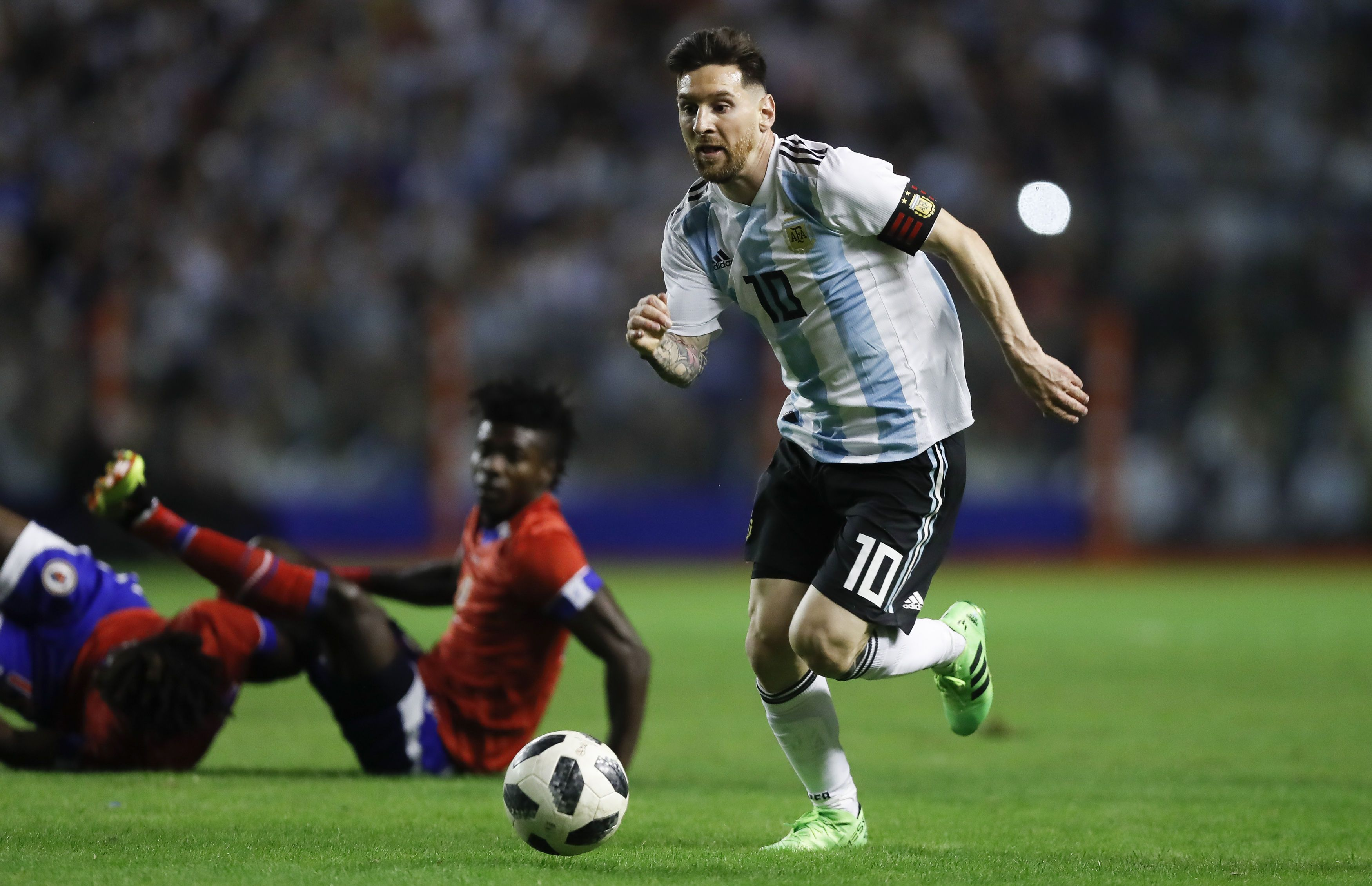 La cruda carta de niños palestinos a Lionel Messi: Jugará sobre las tumbas