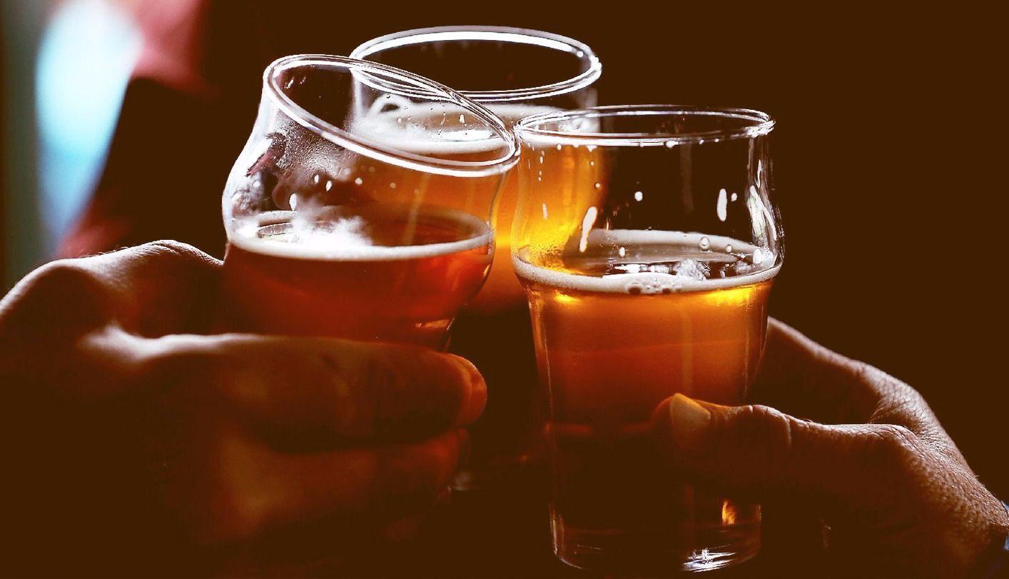Para la mitad de los españoles, el alcohol es el causante de las violaciones