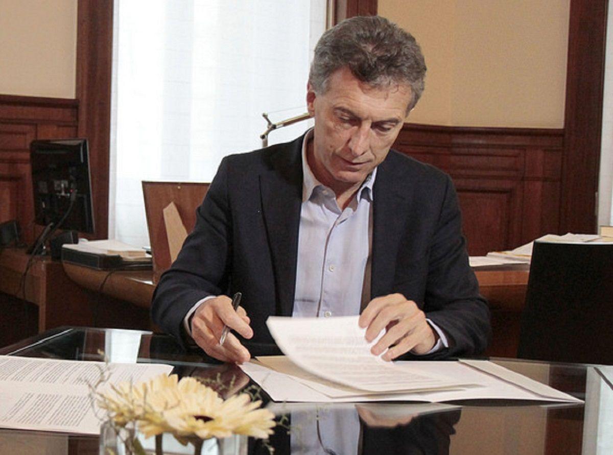 Para sostener los tarifazos Macri paga el alto costo político de un nuevo veto antipopular