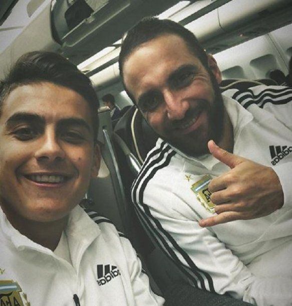 Paulo Dybala y Gonzalo Higuaín, de la Juventus heptacampeona a Rusia<br>