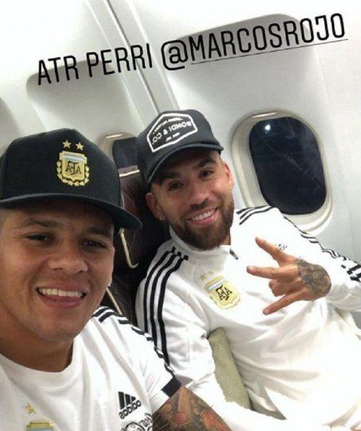 Marcos Rojo y Nico Otamendi, rivales en Manchester y amigos en la Selección<br>