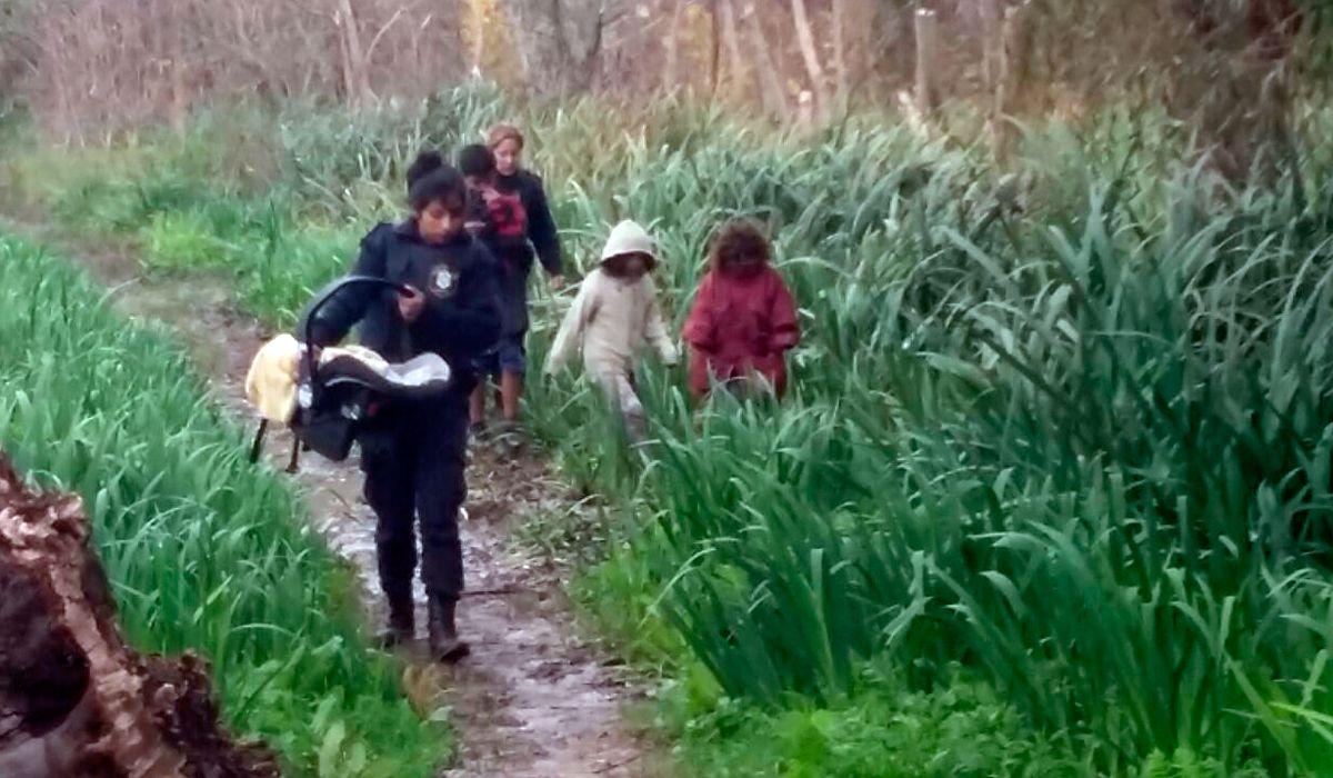 Hablaron los padres de los 5 hermanitos abandonados en Punta Lara