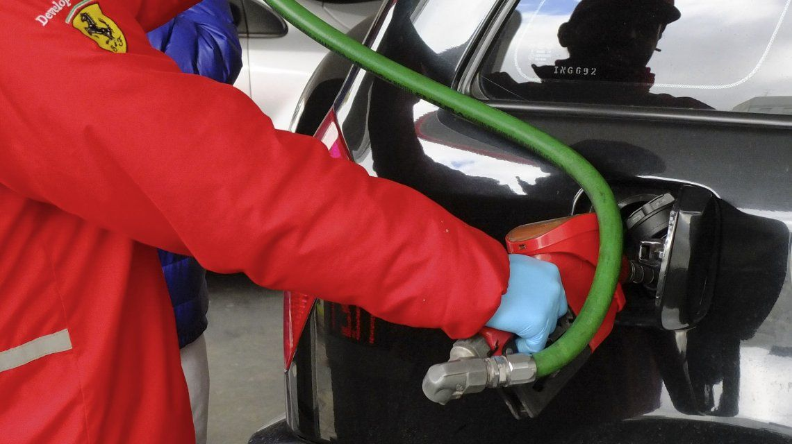Dieron marcha atrás al acuerdo y los combustibles aumentarán