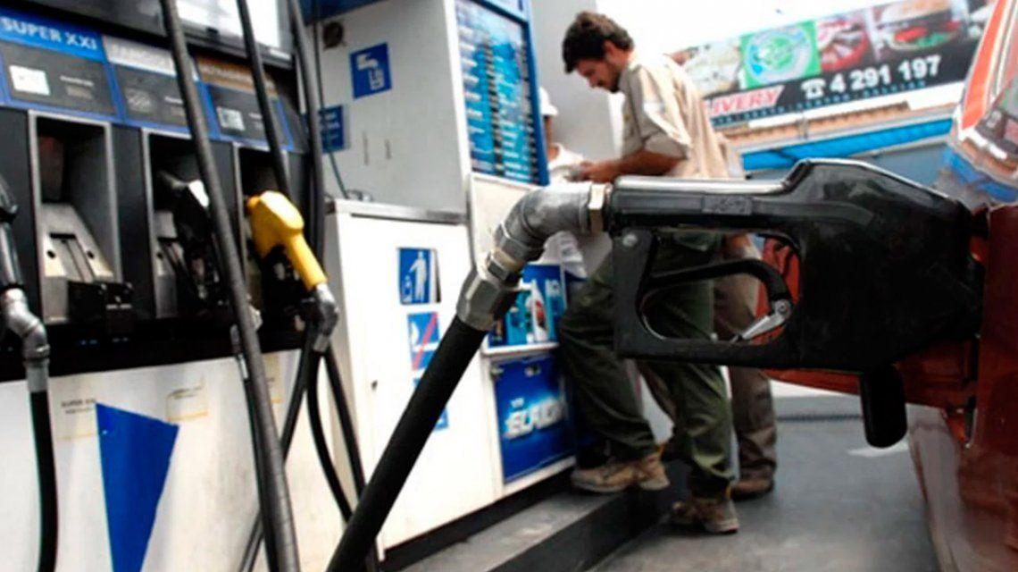 Otro aumento de YPF: el litro de nafta premium ya se vende a más de $40 en el Interior