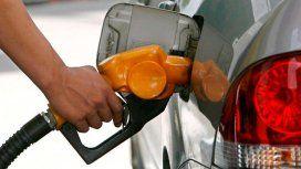 Volvió a aumentar la nafta: es por la suba del dólar e impuestos