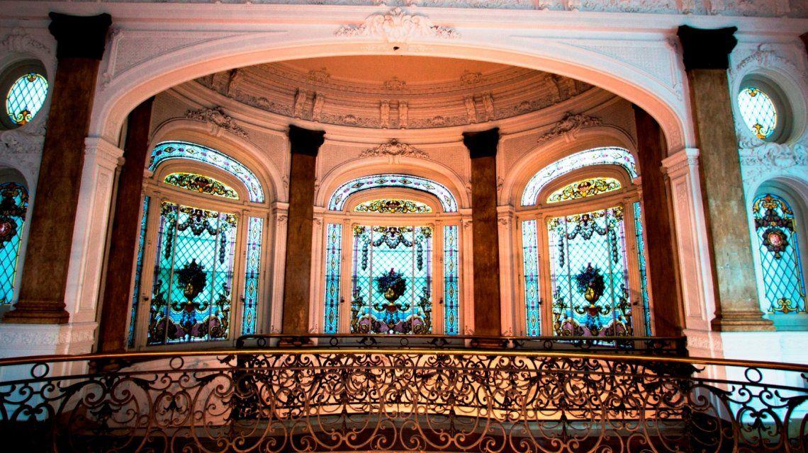 Visitar el Palacio Piccaluga, plan imperdible en la Ciudad de Buenos Aires