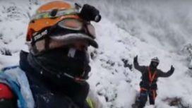 Así rescatan los bomberos a la comitiva presidencial
