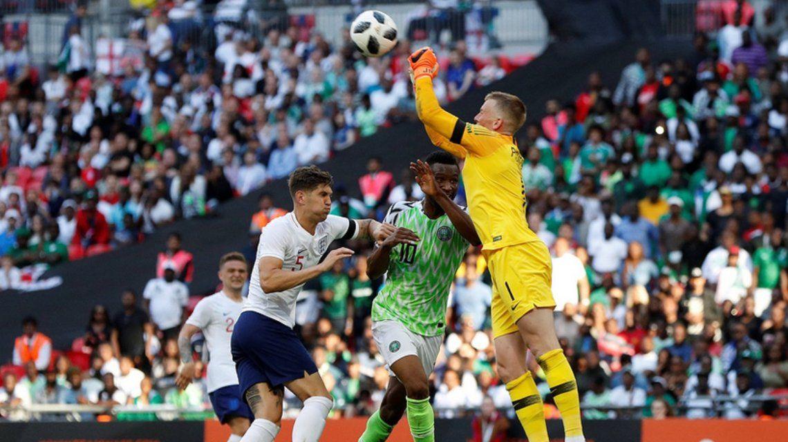 Inglaterra venció a Nigeria en Wembley