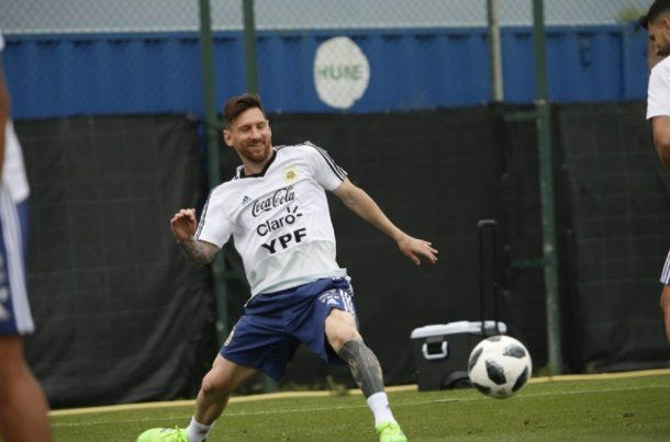 Lionel Messi entrenando con la Selección - Crédito: @Argentina