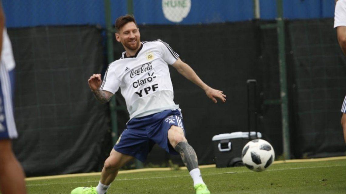 Lionel Messi entrenando con la Selección - Crédito:@Argentina