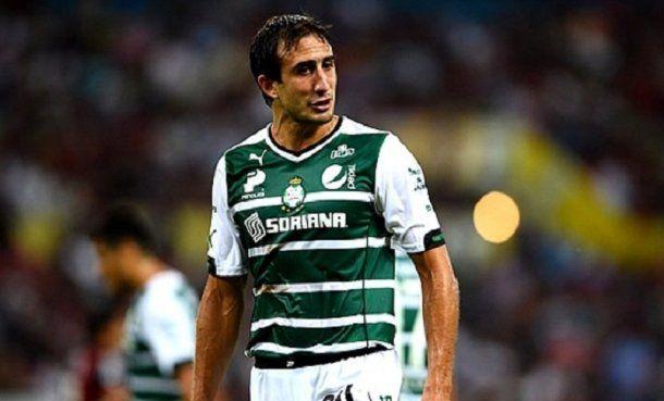 <p>Carlos Izquierdoz</p>